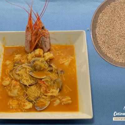 Sopa de quinoa con almejas y gambas Sopa de quinoa con almejas y gambas